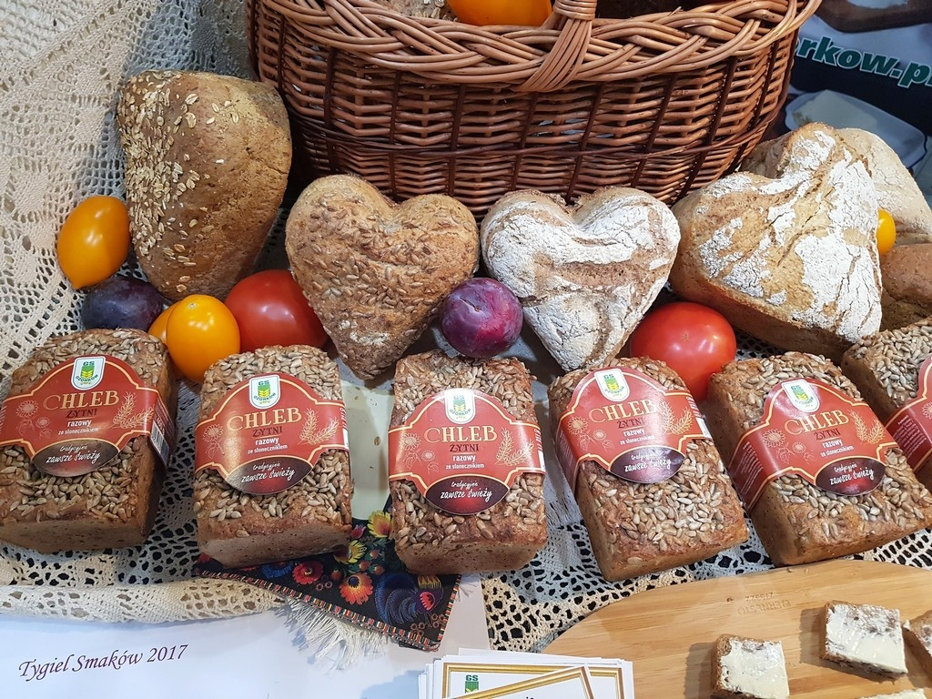 Chleb-Żytni-razowy